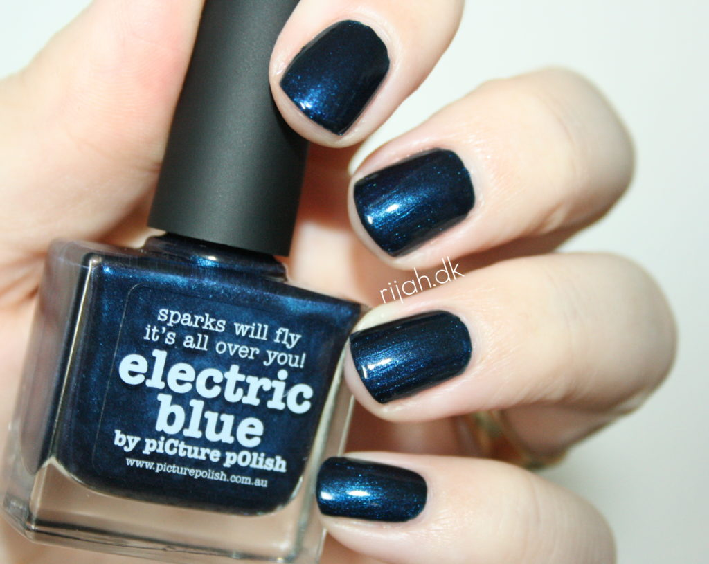 piCture pOlish electric blue1