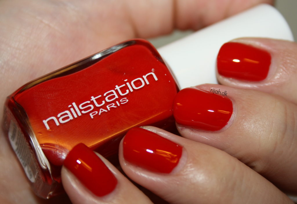 NailstationChristmaskiss2