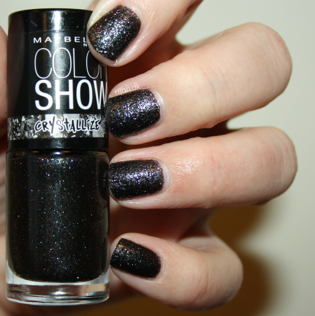 Maybelline Color Show Crystallize Nearly Black