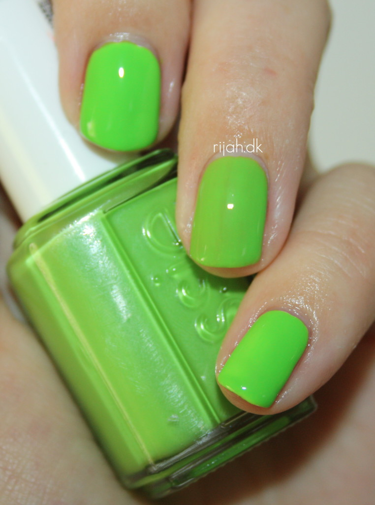 Essie Vices versa Essie Neon Collection 2014
