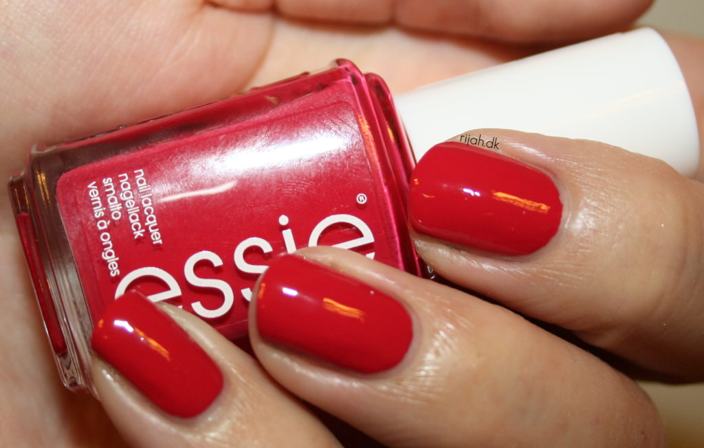 Essie Haute in the heat - Essie Summer Collection 2014