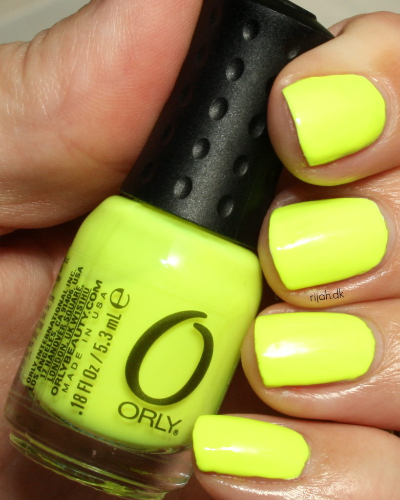 Orly Glowstick 31DC2014 03: Yellow Nails