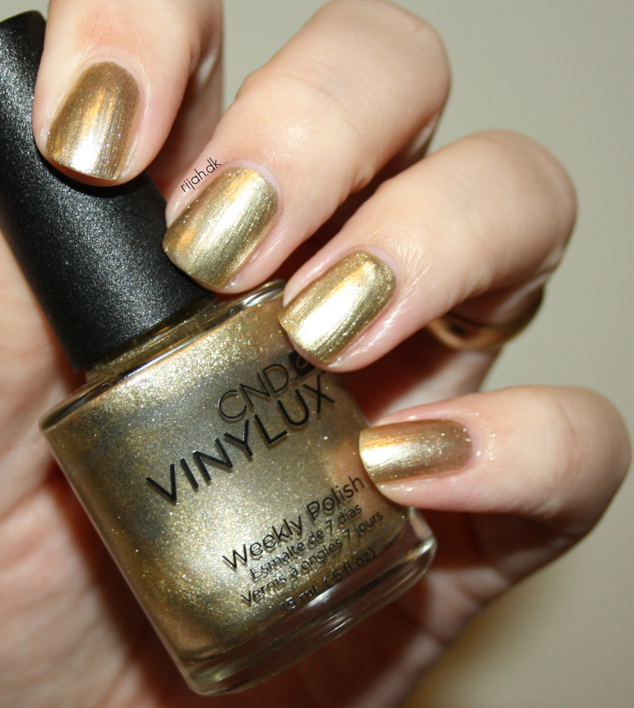 CND Locket Love CND Vinylux Modern Folklore collection