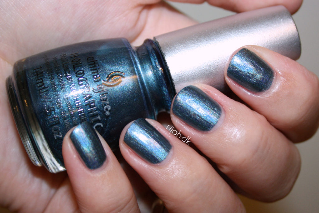 China Glaze Take a trek China Glaze Hologlam Holographic