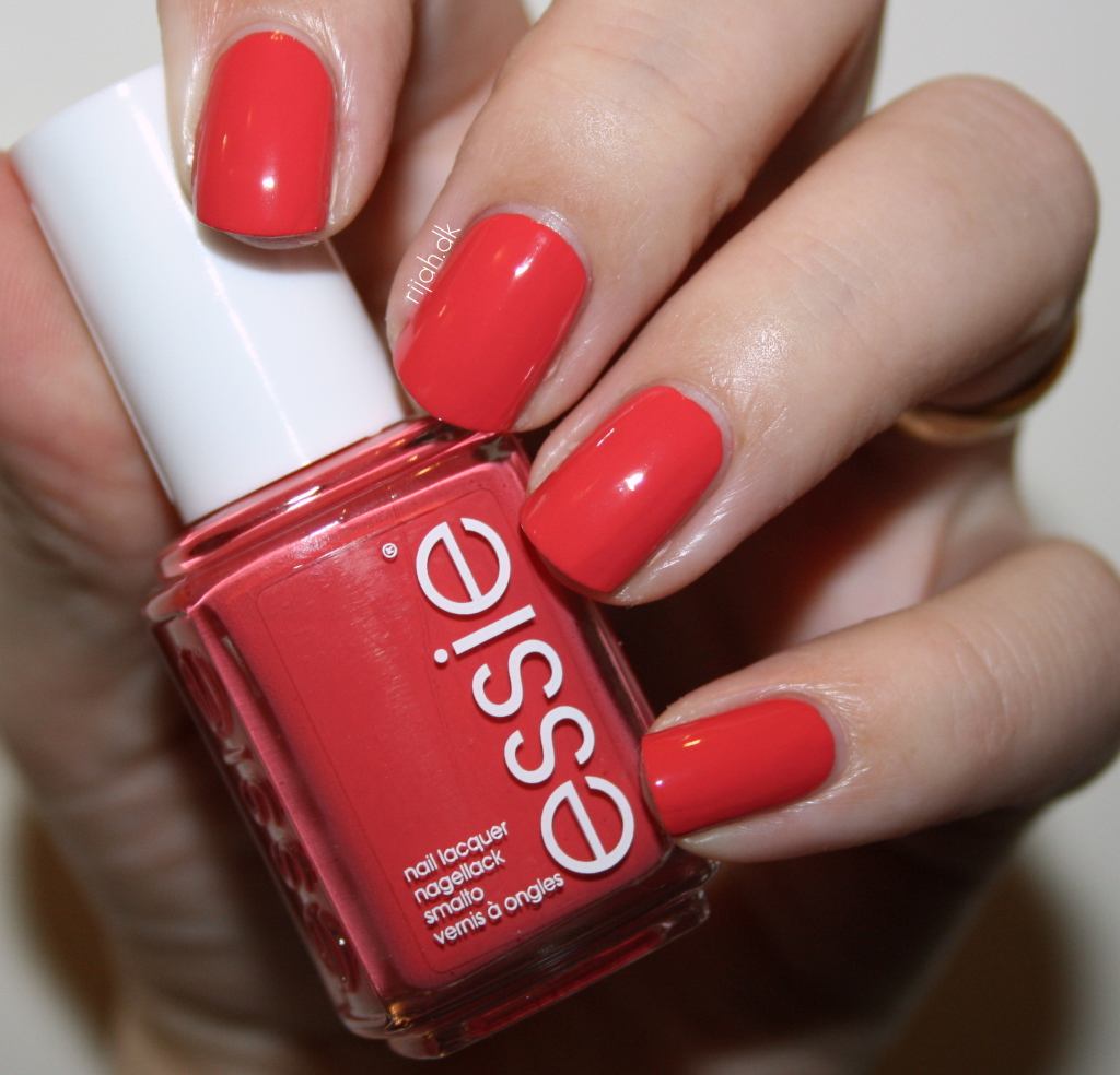 Essie Bump up the pumps Essie Winter Collection 2014