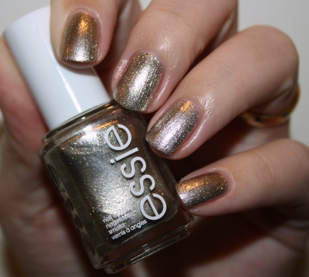 Essie Jiggle hi jiggle lo Essie Winter Collection 2014