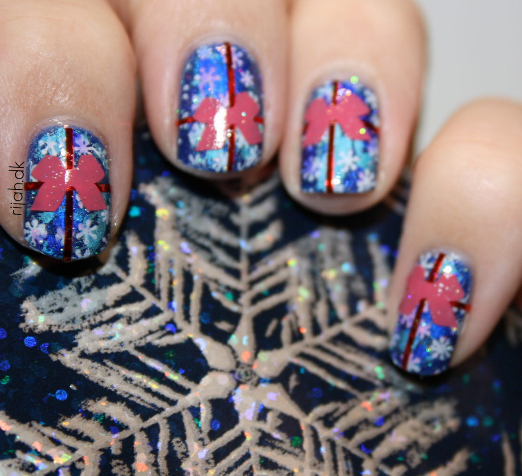 Fancy Friday - Inspireret af julegaver Christmas gift nails