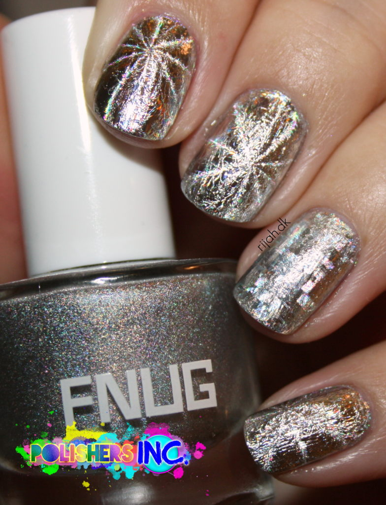 Nail foil with topcoat