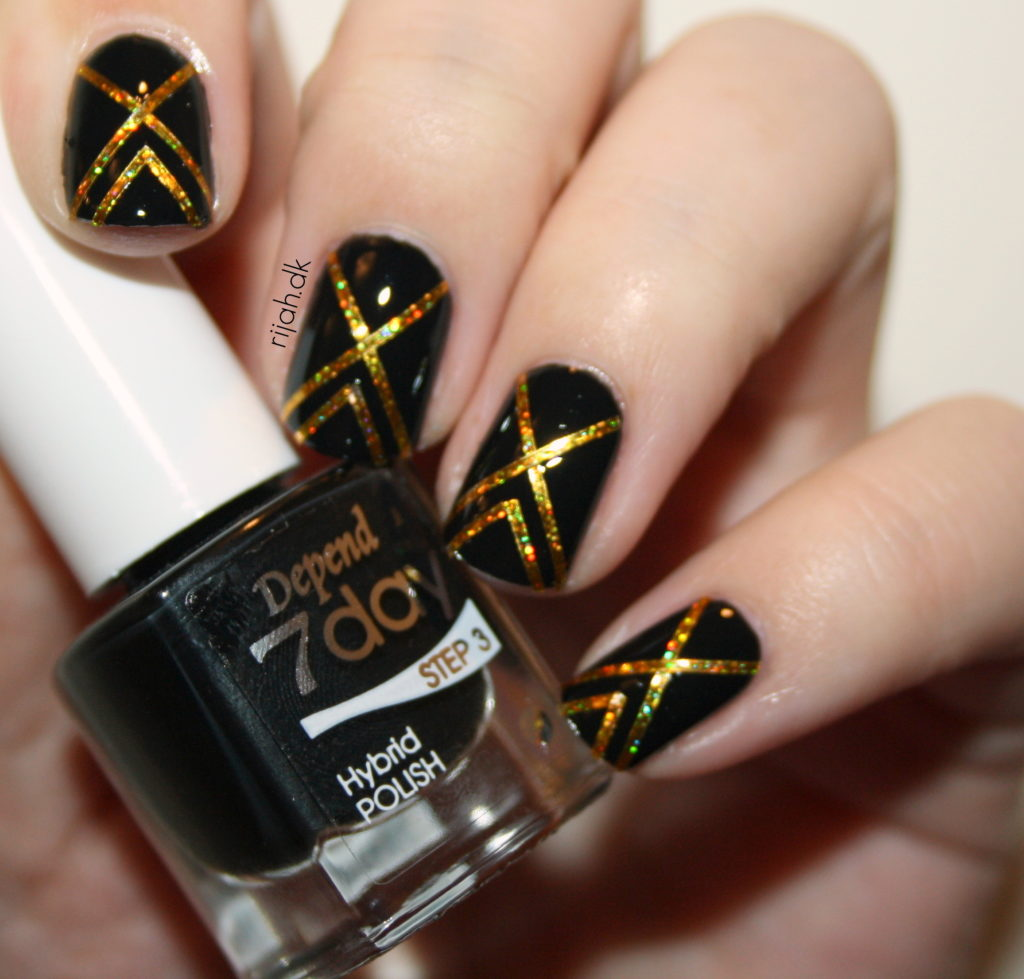 Fancy Friday Striping tape mani2