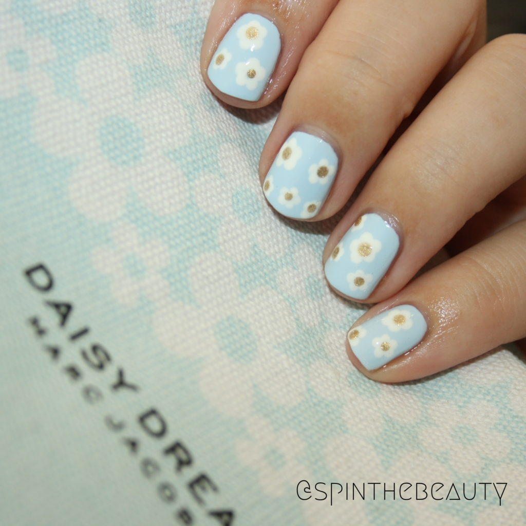 Marc Jacobs Daisy Dream nails